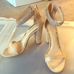 Liliana Shoes - Nude heels!